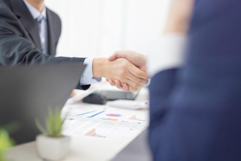 ビジネス_握手